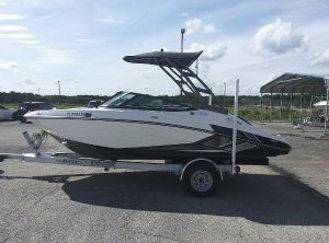 2018 Yamaha Boats AR 195