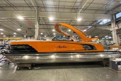 2021 Avalon Excalibur Elite Windshield 27' w/ Twin 450 Racing Motors!