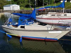 1978 Boston Whaler Harpoon 6.2 Sailboat (22')