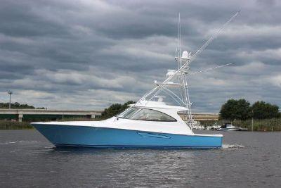 2021 Viking 48 Sport Yacht