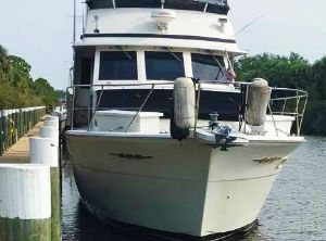 1986 Chris-Craft Constellation