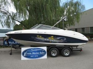 2010 Yamaha Boats AR 210