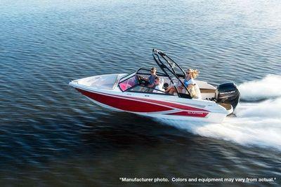2022 Glastron GT 185
