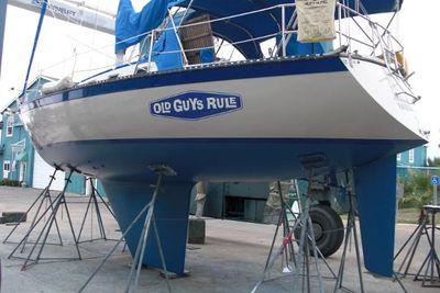1980 Lancer Yachts 36 foot sloop