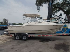 2005 Scout 242 Abaco
