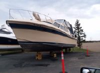 1982 Chris-Craft Catalina 381