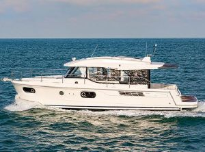 2021 Beneteau America Swift Trawler 41 Sedan