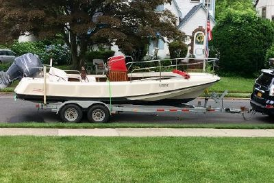 1972 Boston Whaler 21 Outrage Ribside
