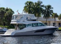 2021 Tiara Yachts 53 Flybridge