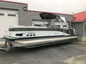 2019 Avalon 2785 Catalina Platinum Windshield Elite, Tri Toon High performance