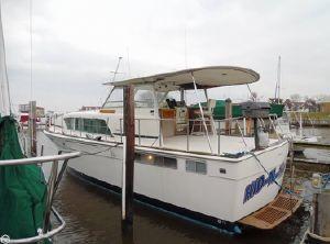 1974 Chris-Craft 410 Motor Yacht