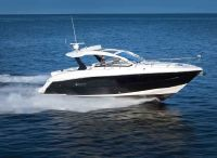 2021 Cruisers Yachts 390 Express Coupe