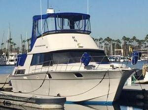 1983 Silverton 40 ft. Aft Cabin Motor Yacht