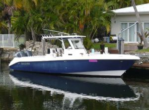 2011 Everglades 325 CC
