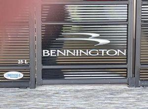 2021 Bennington L25