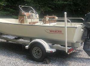 1985 Boston Whaler 17 Montauk