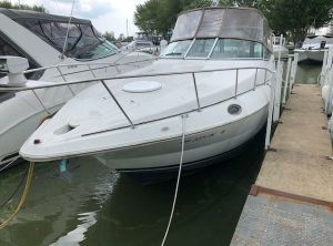 2001 Cruisers Yachts 3075