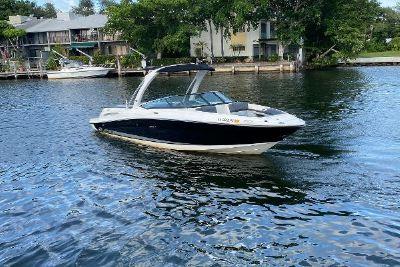2011 Sea Ray 250 SLX