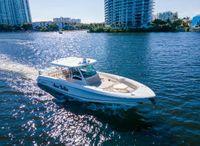 2019 Boston Whaler OUTRAGE 380