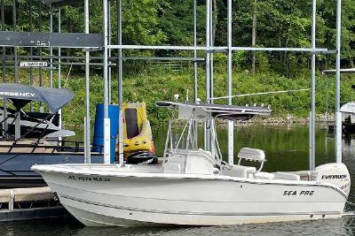2005 Sea Pro 220 Center Console