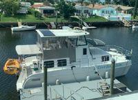 2006 Endeavour Catamaran 40 Pilot house