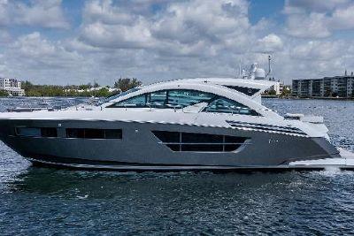 2018 Cruisers Yachts 60 Cantius