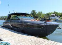 2022 Cruisers Yachts 38 GLS South Beach OB