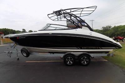 2016 Yamaha Boats 242 Limited S E-Series