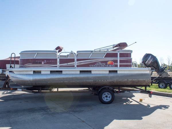 Sun Tracker Pontoon Boats >> 2013 Sun Tracker Party Barge 20 Dlx