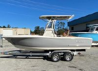 2021 Pioneer 222 Sportfish