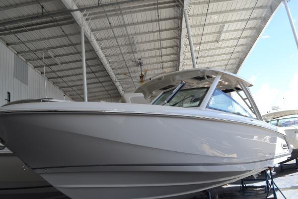 New 2019 Boston Whaler 320 Vantage, Naples, Fl - 34102 - BoatTrader com