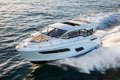 2017 Sea Ray 460 Sundancer Manufacturer Provided Image