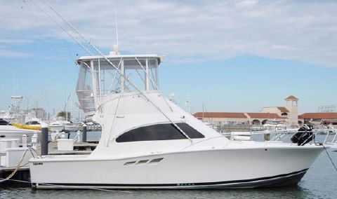 2001 Luhrs Convertible Profile