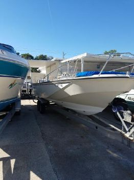 1984 BOSTON WHALER Outrage 22