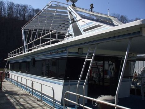 1992 Jamestowner 16x72 Houseboat