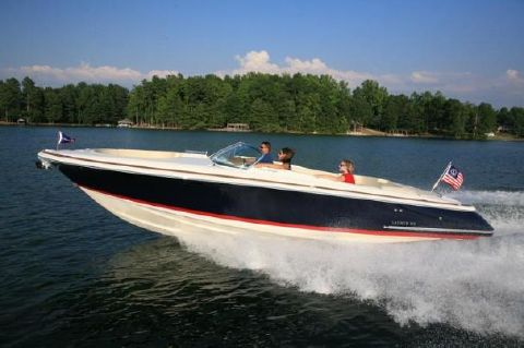 2016 Chris-Craft Launch 28 Manufacturer Provided Image