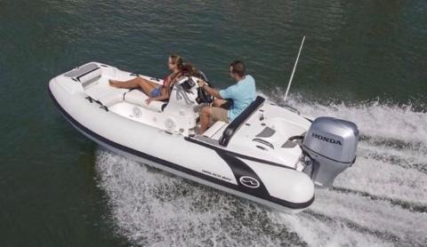 2017 Walker Bay Generation 400 DLX