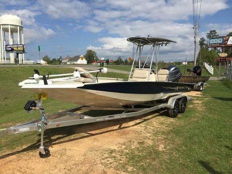 2015 Xpress Boats Hyper-Lift Bay Series H24B
