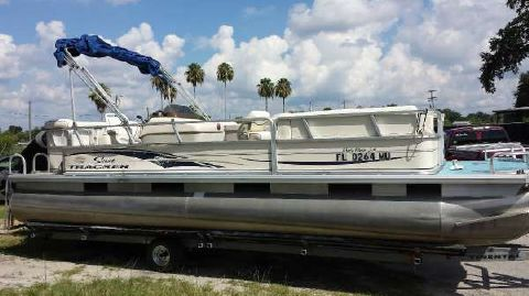 2004 Sun Tracker Party Barge 240