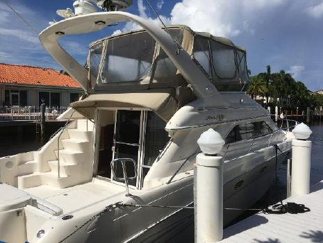 1999 Sea Ray 450 Express Bridge Starboard Aft