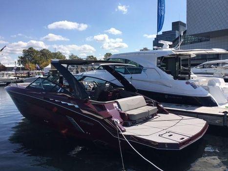 2018 Cruisers Yachts 338 South Beach Edition - Bow Rider
