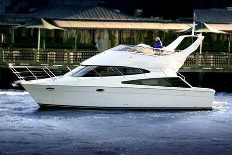 2005 Carver 33 Super Sport Manufacturer Provided Image