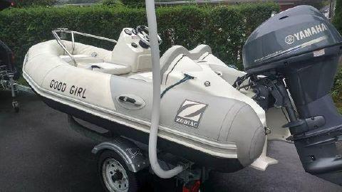 2012 Zodiac Yachtline 340 Dl Port Side I