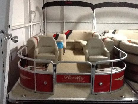 2016 Bentley Encore Pontoons 244 Fish 4-Point