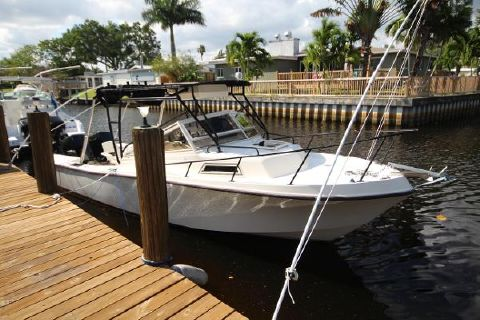 1988 Mako 25 Walk Around