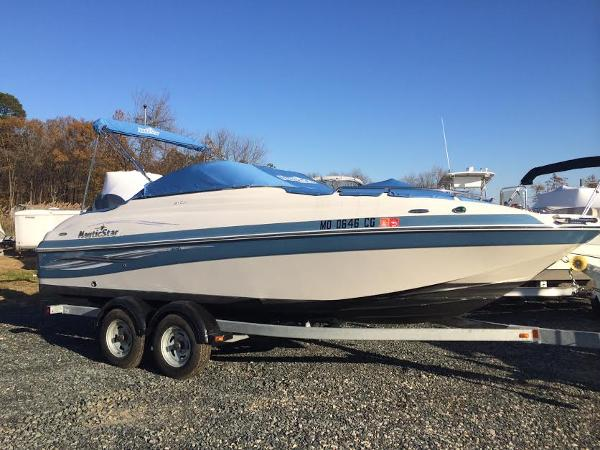 2010 NAUTIC STAR 210 DC
