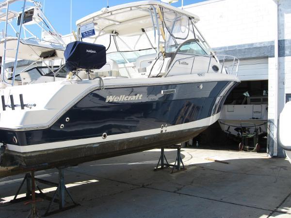 2005 Wellcraft Coastal 290