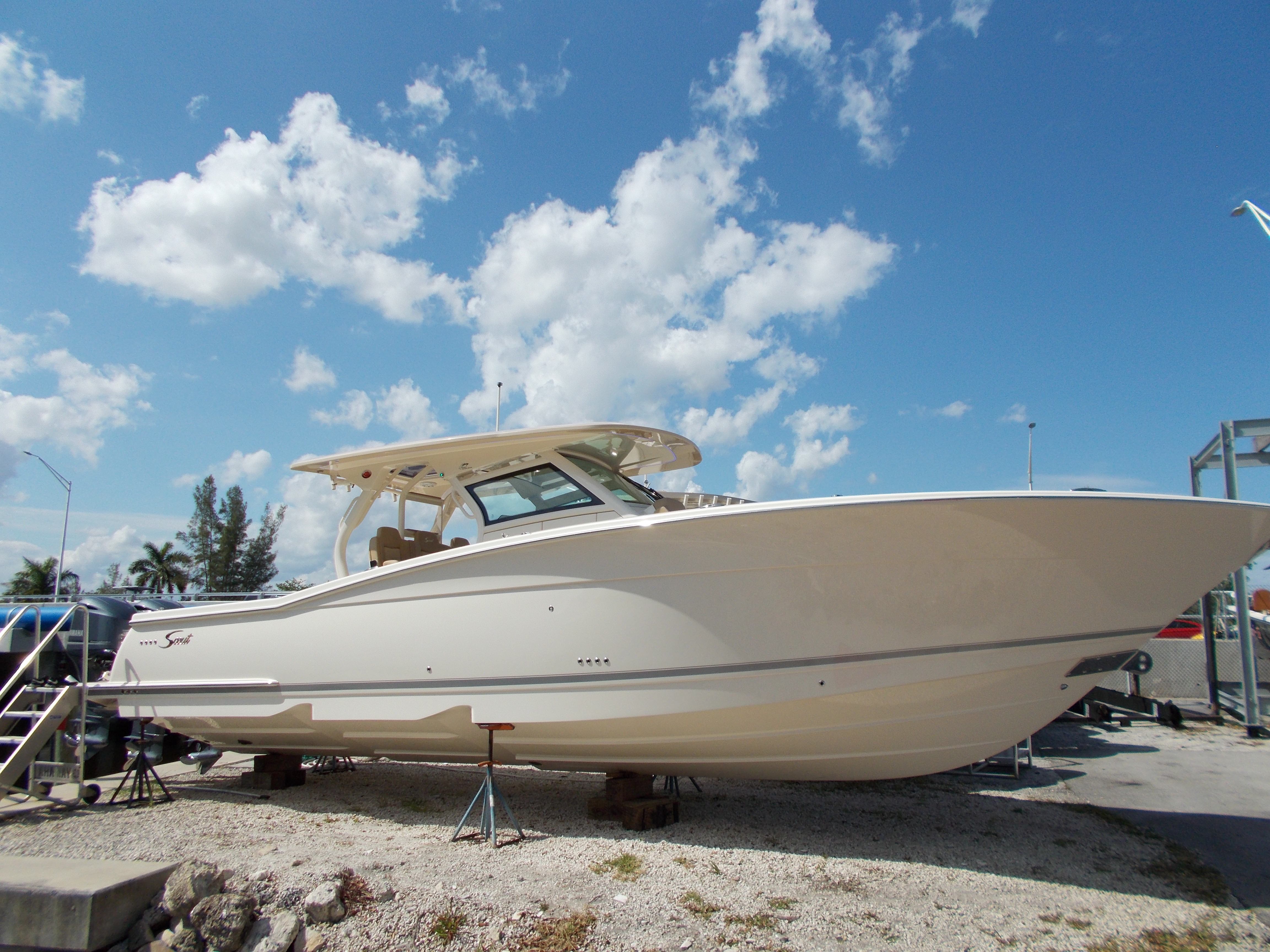 New 2018 SCOUT 380 LXF, Ft Lauderdale, Fl - 33312 - Boat Trader