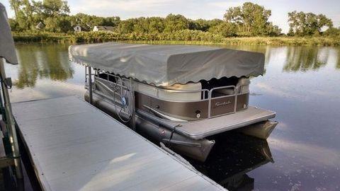 2005 Hewitt 30100 Manual Boat Lift
