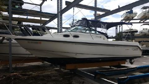 2000 BOSTON WHALER 280 Conquest